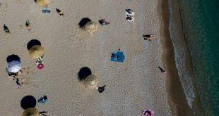 Όλα τα σενάρια για τουρισμό, παραλίες, εστίαση - Τι θα γίνει το τριήμερο του Αγ. Πνεύματος