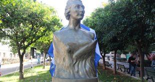 Ταξίαρχος επί τιμή έγινε η ηρωική «μάνα της Αντίστασης» Λέλα Καραγιάννη