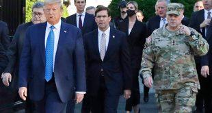 Μετανιωμένος ο Μαρκ Μίλεϊ που εμφανίστηκε με στρατιωτικά δίπλα στον Τραμπ