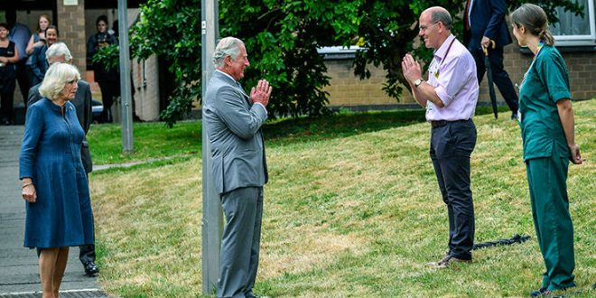 Πρώτη δημόσια εμφάνιση της βασιλικής οικογένειας μετά το lockdown στη Βρετανία