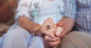 Ντελίριο, πτώση και ταχυκαρδία τα «κρυφά» συμπτώματα του κορονοϊού στους ηλικιωμένους
