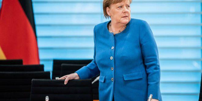 Οργή Μέρκελ για την απόπειρα διαδηλωτών να μπουν στο Ράιχσταγκ