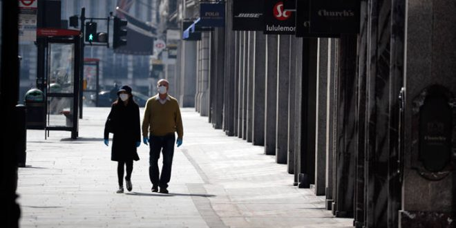 Ο κορονοϊός σφυροκοπά τις θέσεις εργασίας στη Βρετανία