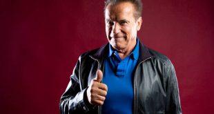 Άρνολντ Σβαρτσενέγκερ: Μία πίπα-Terminator για τα 73α γενέθλιά του