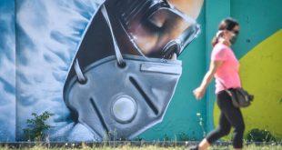 Γαλλία: «Οι μάσκες μπορεί να είναι ένα είδος γέφυρας προς ένα εμβόλιο - Τριπλό το όφελος»