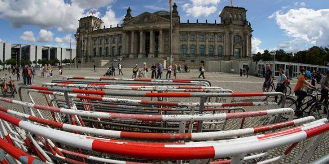 Παραλύει ο δημόσιος τομέας στη Γερμανία - Απεργίες σε νοσοκομεία, παιδικούς σταθμούς, τράπεζες