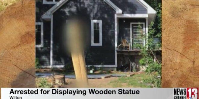 Έφτιαξε στην αυλή του ένα ξύλινο πέος ύψους δυο μέτρων