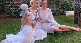 Η Μαντώ Γαστεράτου βάφτισε τον γιο της – Νονά η Μπάγια Αντωνοπούλου
