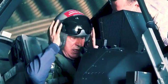 Νέο σόου Ακάρ: Πέταξε με F-16 - «Κυνηγάμε ξεκάθαρα τα συμφέροντά μας στην Ανατολική Μεσόγειο»