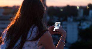 Γυναίκα στο Tinder κατάφερε να «φάει» από δύο άντρες μισό εκατομμύριο ευρώ