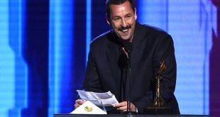 Φανατικός θαυμαστής του Άνταμ Σάντλερ είδε 638 ώρες περιεχομένου με τον ηθοποιό μέσα σε ένα χρόνο