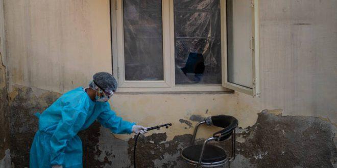 Στη δίνη του κορονοϊού με 8,9 εκατ. κρούσματα και 121.090 νεκρούς η Ινδία