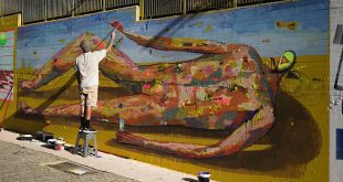 Street art στην Αθήνα: Η εντυπωσιακή τοιχογραφία που έδωσε χρώμα στον πεζόδρομο της οδού Θεσσαλονίκης