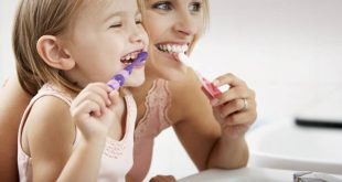 Γιατί το βούρτσισμα των δοντιών μπορεί να είναι απροσδόκητος σύμμαχος στη μάχη με τον κορονοϊό