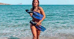 Μαίρη Συνατσάκη: Η αντίδρασή της όταν της ζήτησαν να βγάλουν φωτογραφία σε παραλία γυμνιστών