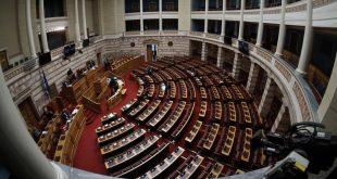 Ο ΣΥΡΙΖΑ καταψήφισε τη μείωση των ασφαλιστικών εισφορών - Πέτσας: «Δεν είναι fake news, είπαν όχι στη μείωση της ανεργίας»