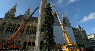 Η «Πρωτεύουσα των Χριστουγέννων» στην Ευρώπη προσπαθεί να συνέλθει από το σοκ της τρομοκρατικής επίθεσης