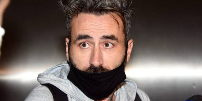 Γιώργος Μαυρίδης: Στο νοσοκομείο με κορονοϊό ο παρουσιαστής - «Κόλλησα και εγώ και η γυναίκα μου»