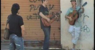 Μαραντόνα: Η στιγμή που ο Ντιέγκο συνάντησε τον Μανού Τσάο και συγκινήθηκε με το τραγούδι γι
