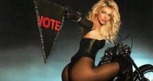 Η Κένταλ Τζένερ ως άλλη Πάμελα Άντερσον καλεί τον κόσμο να ψηφίσει