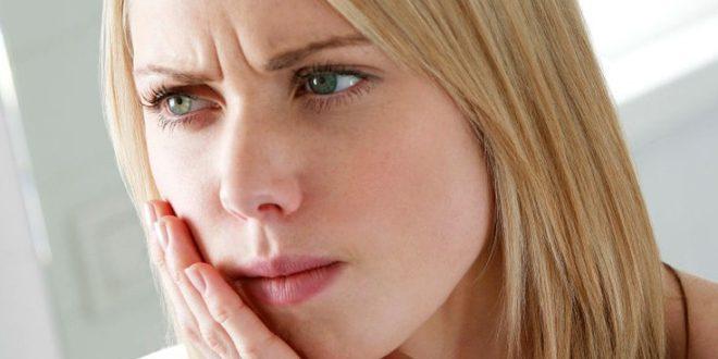 Κορονοϊός: Ασθενείς υποστηρίζουν ότι έχασαν τα δόντια τους