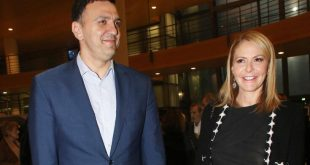 Ο Βασίλης Κικίλιας έγινε πατέρας ανήμερα των Χριστουγέννων - Γέννησε η Τζένη Μπαλατσινού