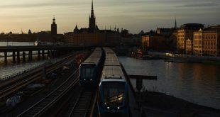 Η Σουηδία συστήνει τη χρήση της μάσκας στις ώρες αιχμής, την ώρα που οι θάνατοι από νέο κορονοϊό καταγράφουν ρεκόρ