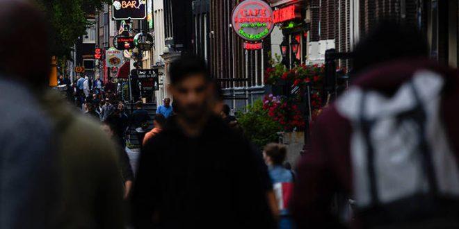 Ολλανδία: Εξετάζει αυστηρότερα μέτρα λόγω της αύξησης των κρουσμάτων