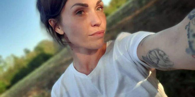 Στριπτίζ online θέλει τώρα να κάνει η μαμά που αθωώθηκε για την αποπλάνηση του 14χρονου