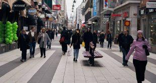 Σουηδία: Η κυβέρνηση δεν άλλαξε τη στρατηγική της για την αντιμετώπιση της πανδημίας