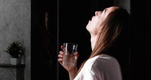 «Φάρμακο» κατά του κορονοϊού και οι… γαργάρες