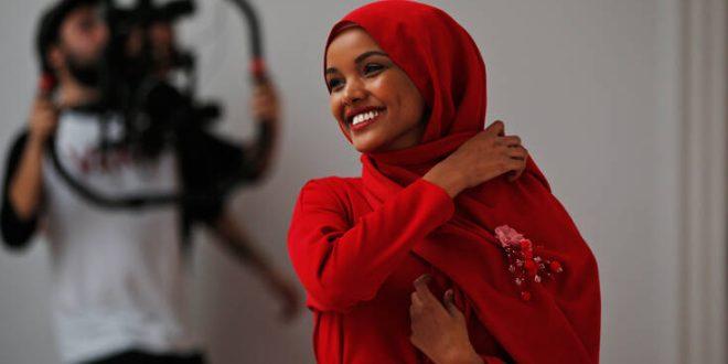 Χαλίμα Άντεν: Το supermodel με τη μαντήλα εξηγεί γιατί εγκατέλειψε τη μόδα για τη θρησκεία της