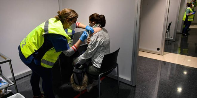 Σταθερά δύσκολη η κατάσταση με τον κορονοϊό στην Ευρώπη - «Πράσινο φως» στο εμβόλιο της Moderna από την Ελβετία